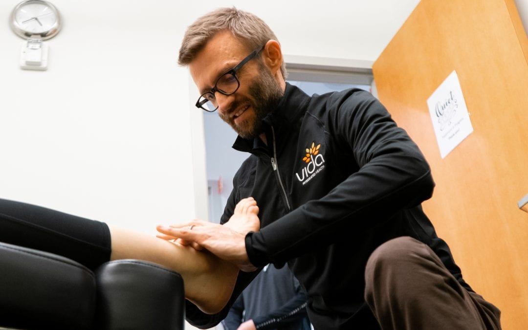 How You Can Benefit From Manual And Physical Therapy To Recover From An Injury?